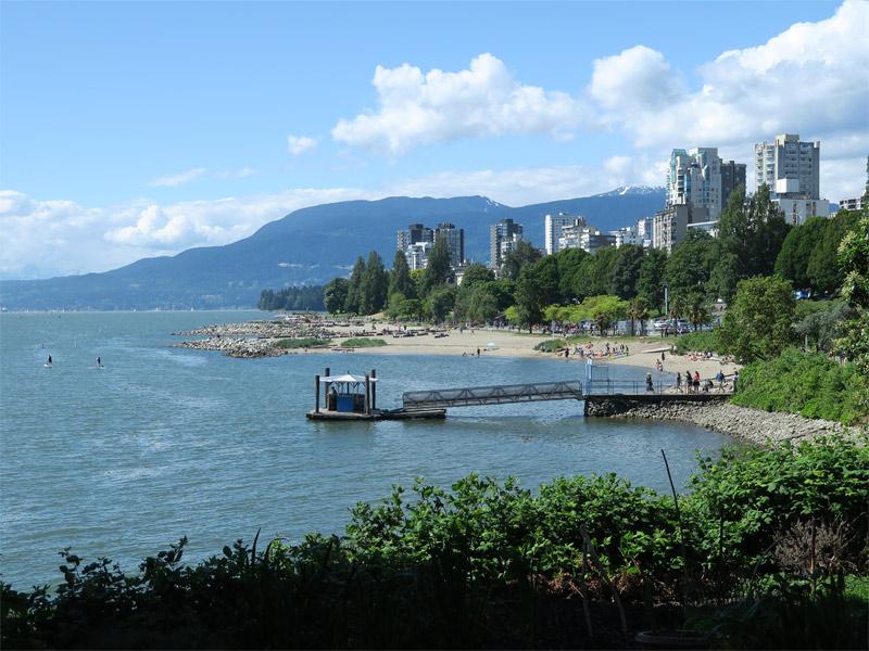 Andando por Vancouver no verão. Foto: Luciana Misura