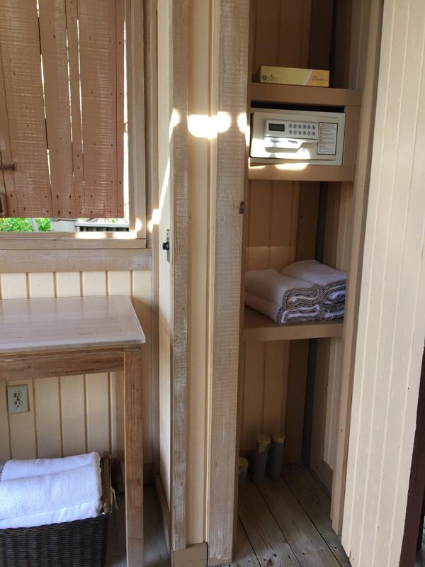 O armário da Cabana tem cofre e toalhas