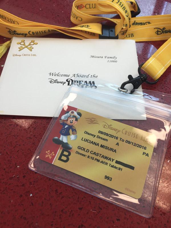 Cartão chave Concierge é dourado, e recebemos um envelope com um cartão de boas vindas