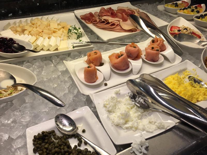 Itens de café da manhã no Concierge Lounge