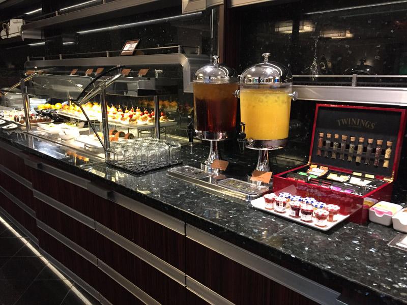 Benefícios da Cabine Concierge nos cruzeiros Disney: O buffet do Concierge Lounge no Disney Dream