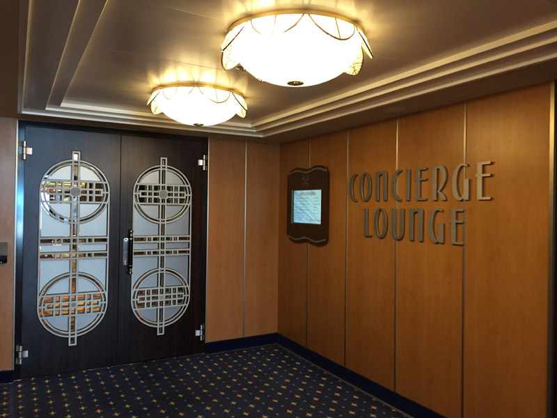 Entrada do Concierge Lounge no Disney Dream