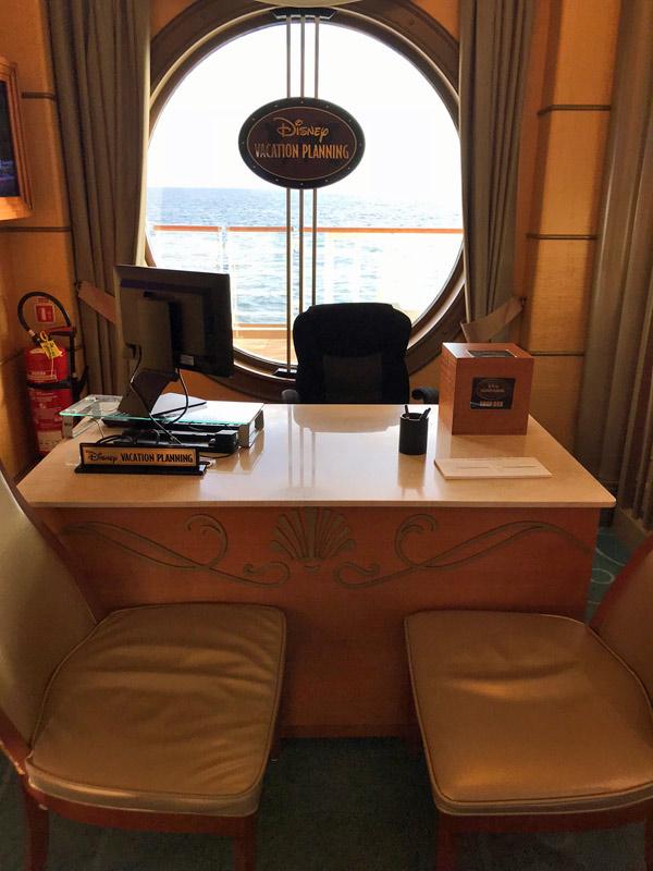 A mesa do Vacation Planning, para fazer uma reserva futura com desconto