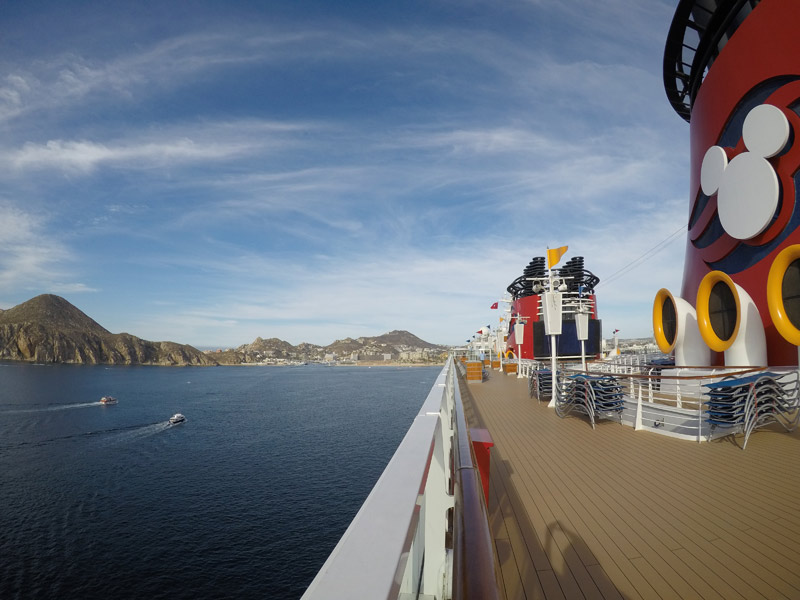 Vista do deck 10 do Disney Wonder, em Cabo San Lucas, México