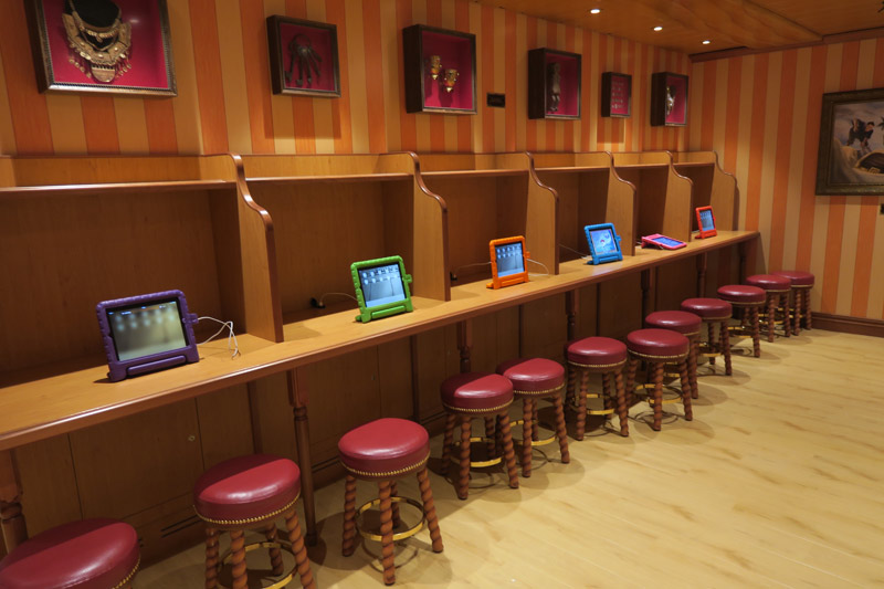 Tablets com jogos no Oceaneer Lab