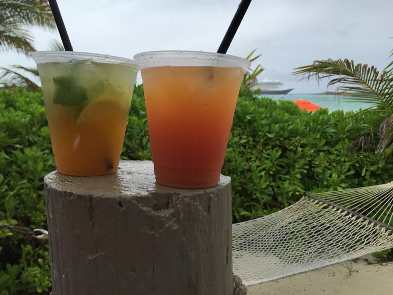 Drinks que pedimos na Cabana enquanto esperávamos passar a chuva