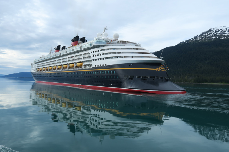 O navio Disney Wonder no Alasca