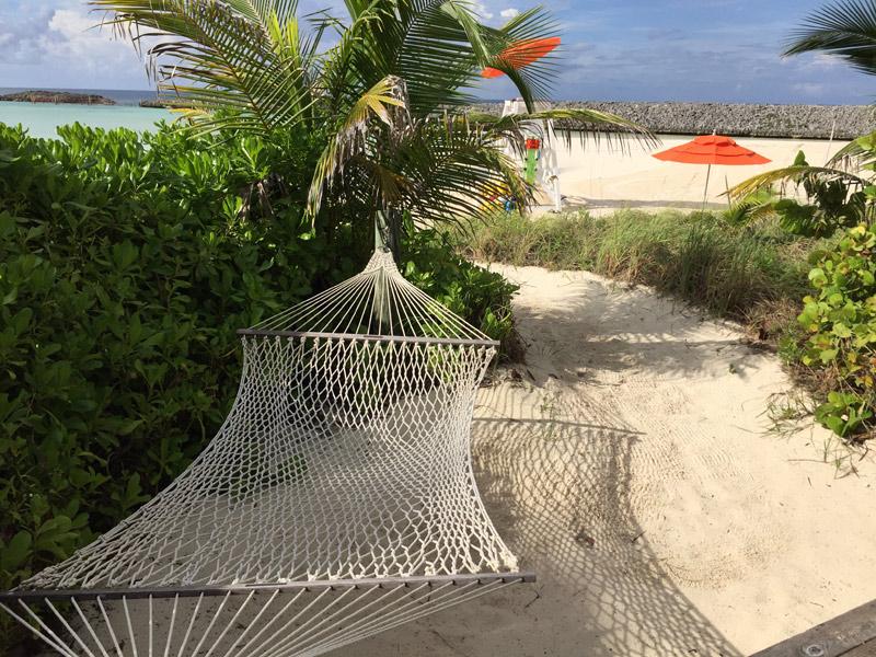 A rede da Cabana, pra ficar perfeita tinha que ser na sombra